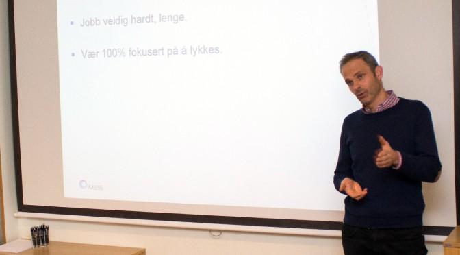 Slå sammen Høgskolen i Molde med NTNU