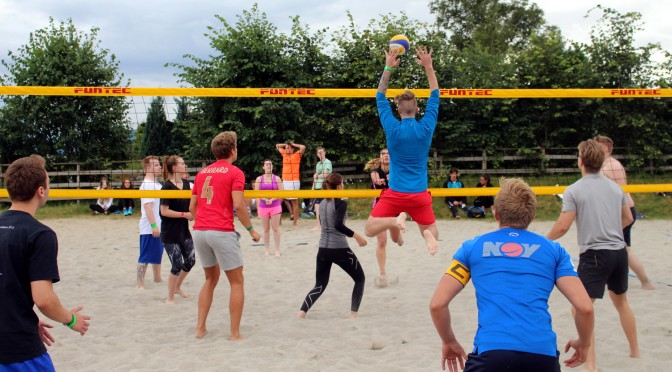Åpningsuka volleyball players raise their game this year