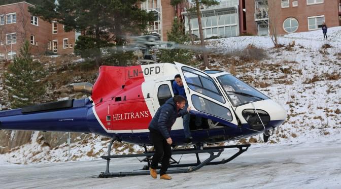 Thomas og Harald i helikopter til campus