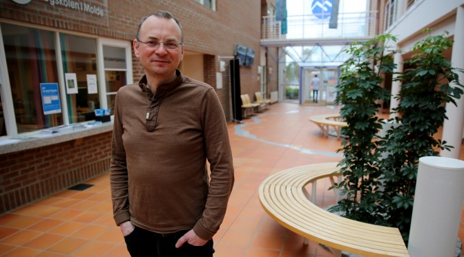 Georg Panzer: Jeg melder meg som rektorkandidat