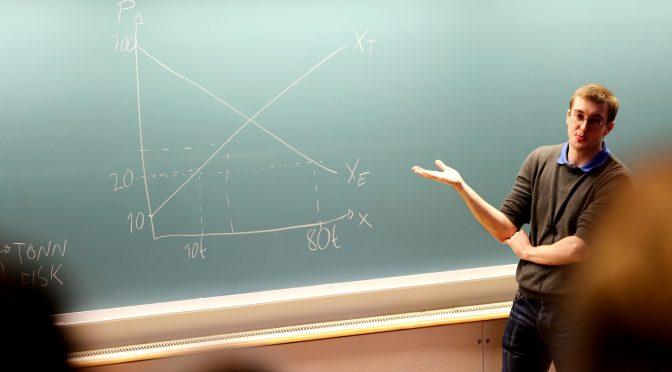 Student debuterte som foreleser i mikroøkonomi