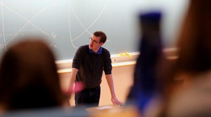 Gode resultater i mikroøkonomi med studentforeleser