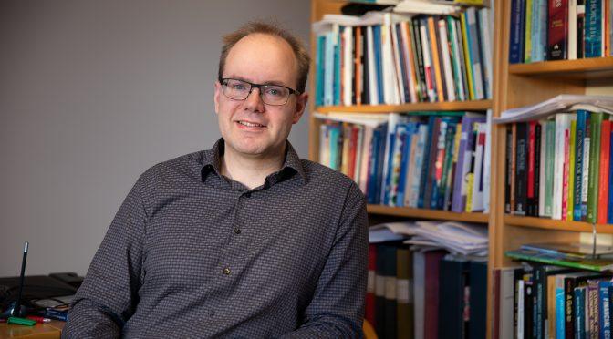Rektorvalget: Steinar Kristoffersen i tenkeboksen – Heidi Hogset stiller ikke