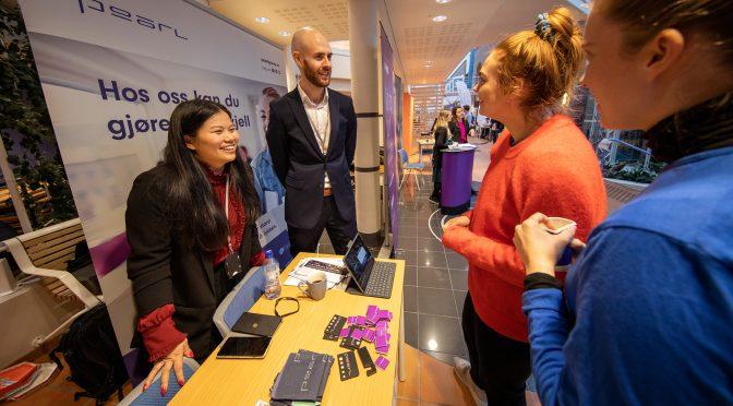 HiMolde alumni varsler om ERP-boom på Karrieredagen