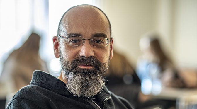 Carlos Sousa wins prestigious award for marketing research